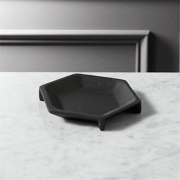 black cast dish