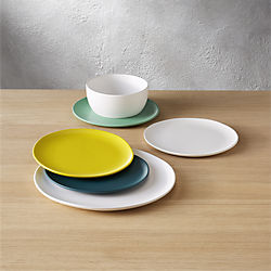 crisp dinnerware