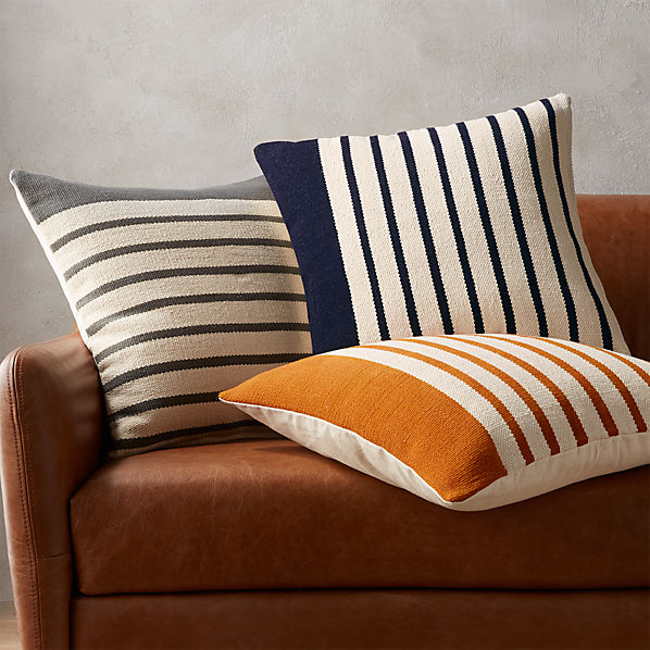 DivisionCollectionPillowsFHS17