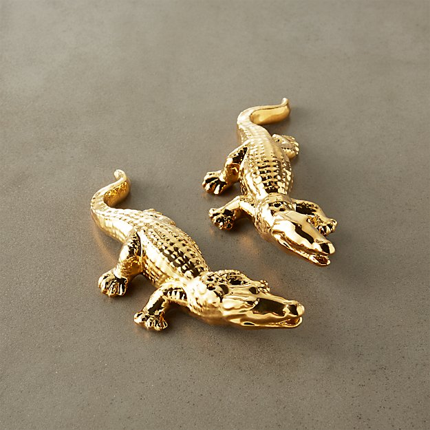 2-piece gold alligator salt and pepper set