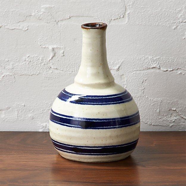 The Hill-Side tokkuri vase