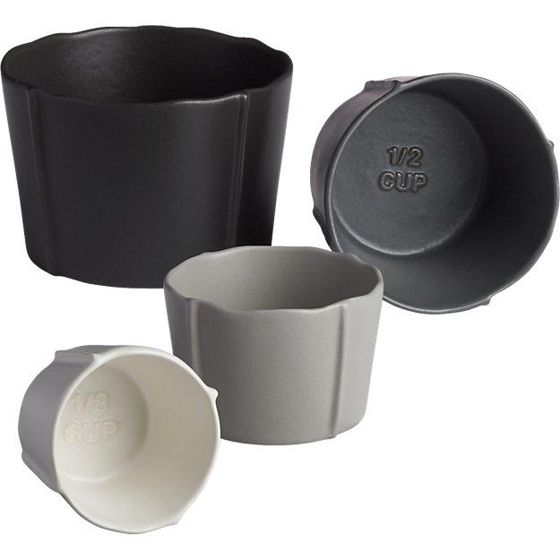 pinch grey measuring cups