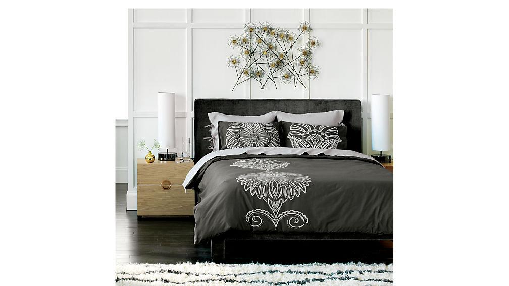 soho lead king bed