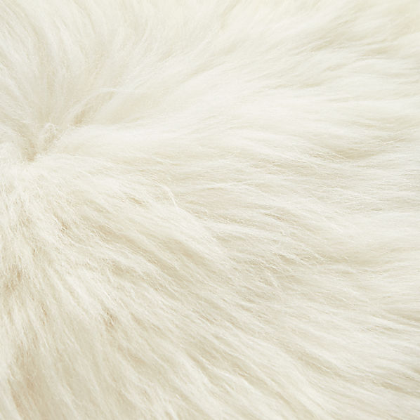 SheepskinPillow24inAV4F15
