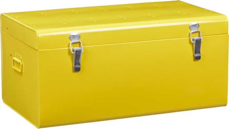 versus yellow galvanized trunk