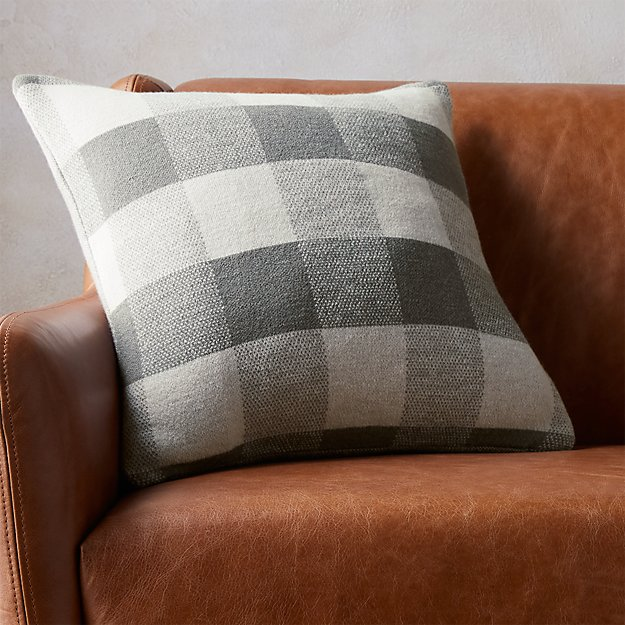 """victor 18"""" pillow"""
