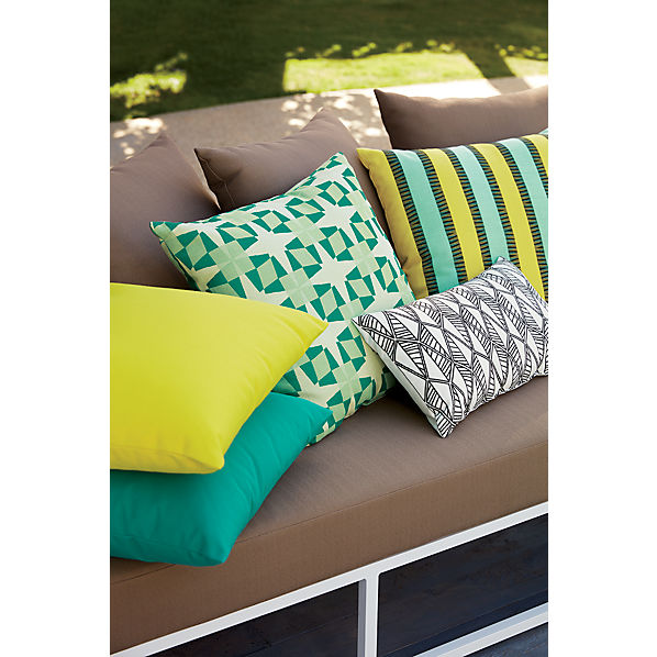 chartreuseoutdoorpillowOFB16