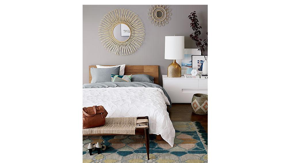 dondra king bed