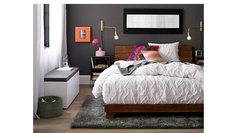 dondra queen bed
