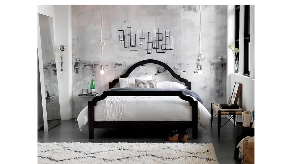 silhouette queen bed