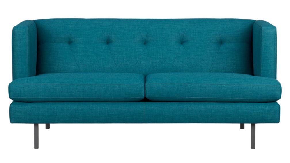 avec apartment sofa
