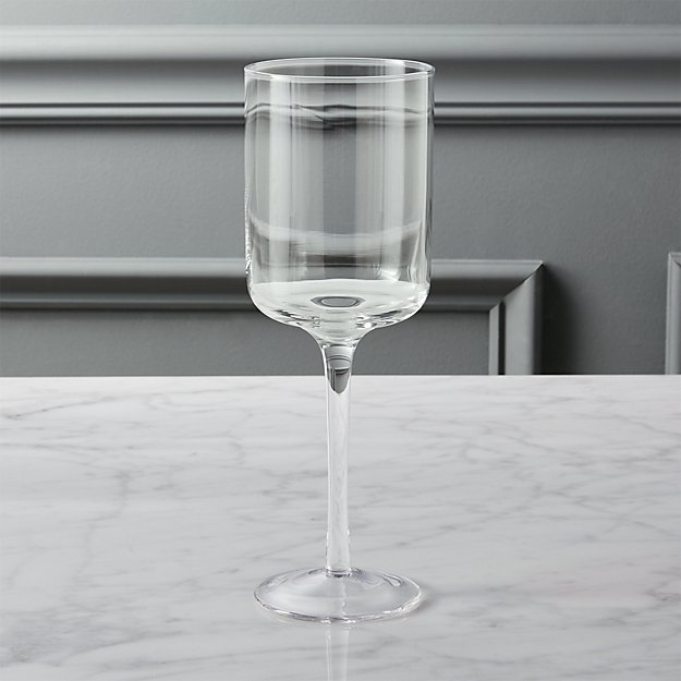 balance wine glass