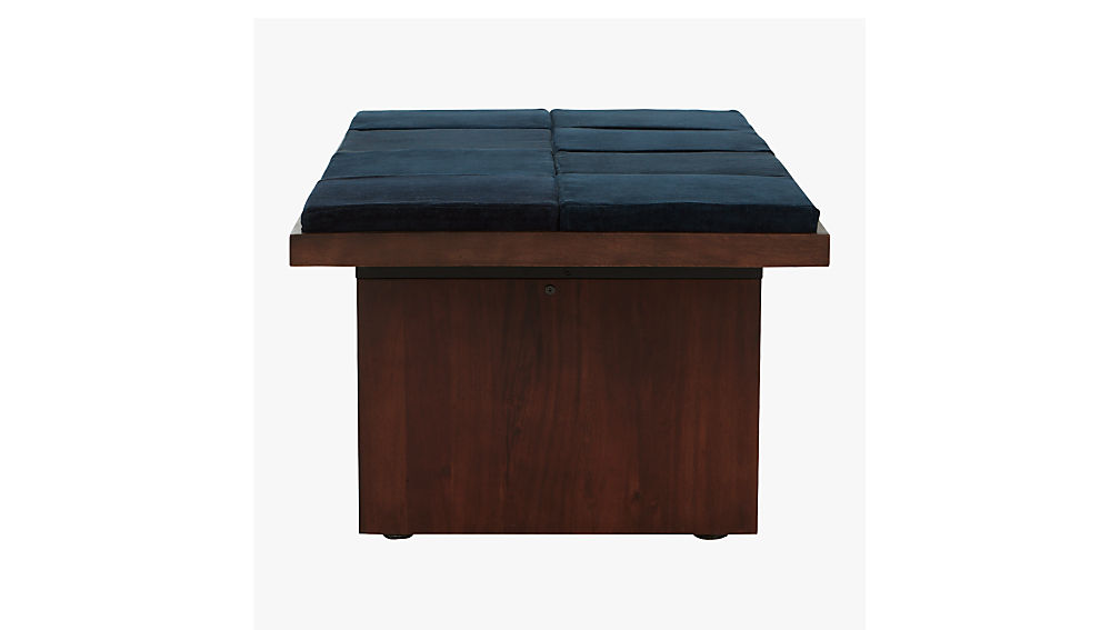 bento coffee table with eight cushions