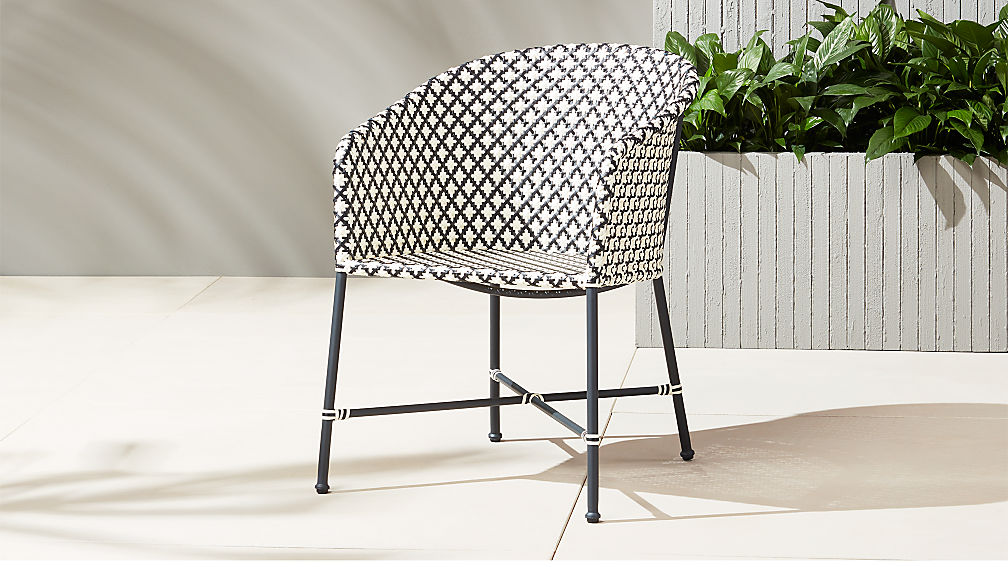 Brava outdoor wicker dining chair reviews cb2 for Rattan lounge dining