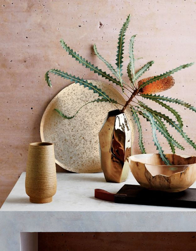 The concept of wabi sabi\u2014the Japanese philosophy that embraces imperfection\u2014has been buzzing around Western culture for the past few years. & Wabi Sabi: Zen Decorating Ideas for Your Home