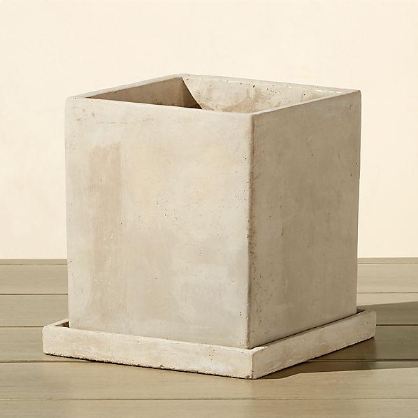 ConcretePotWSaucerSHS17