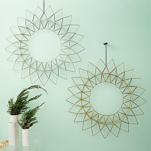 Dara Wire Wreaths