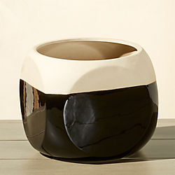 dice large black and tan planter