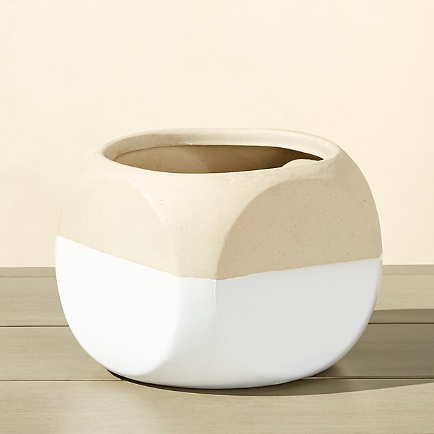 dice small white and tan planter
