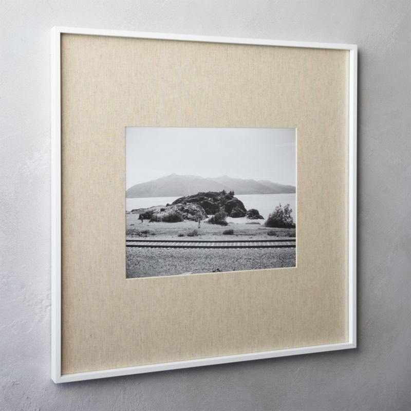 gallery white 11x14 picture frame with linen mat