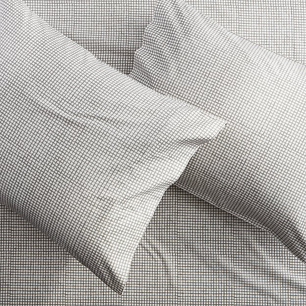 set of 2 graph percale standard pillowcases.