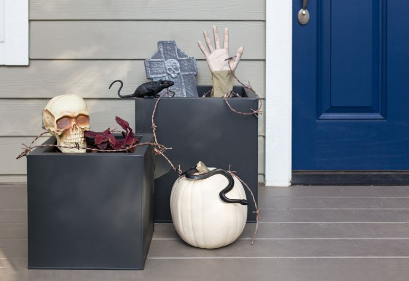 Lovely Haunted Halloween Planters