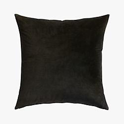 "23"" leisure black pillow"