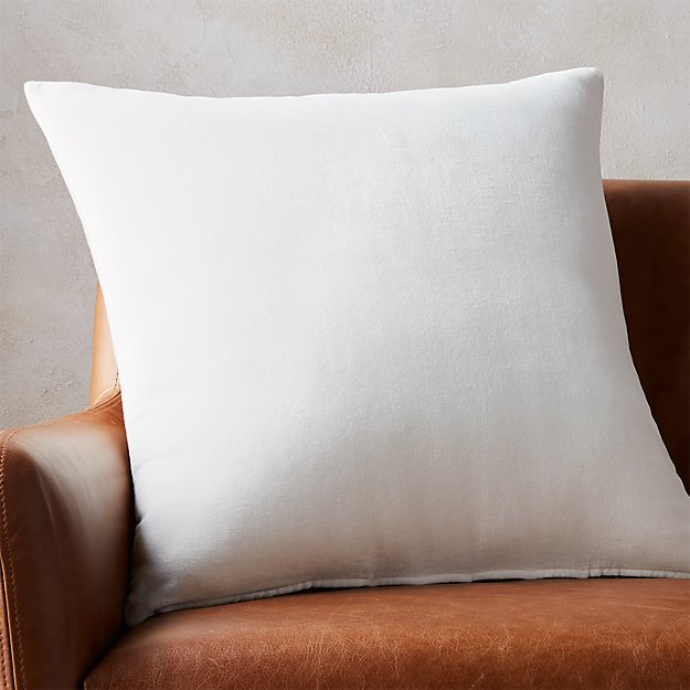 "23"" leisure white pillow"