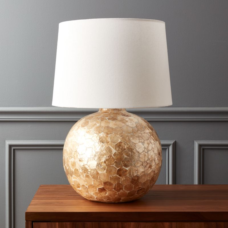 Battaglia Mother Of Pearl Table Lamp