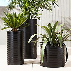 oscar matte black planters