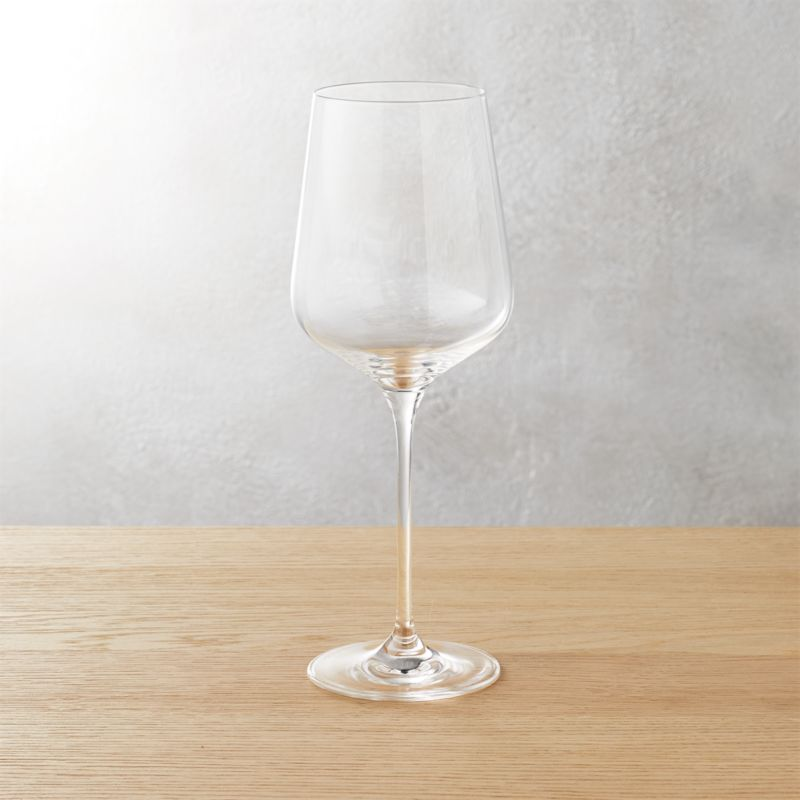 "<span class=""copyHeader"">lots of breathing room. </span> Wines open up to the idea of a bold new bowl-to-stem ratio. Oversized shape swirls large, tapers dramatically.<br /><br /><NEWTAG/><ul><li>Brilliant glass</li><li>Cut and fire-polished rim</li><li>Hand wash</li></ul>"