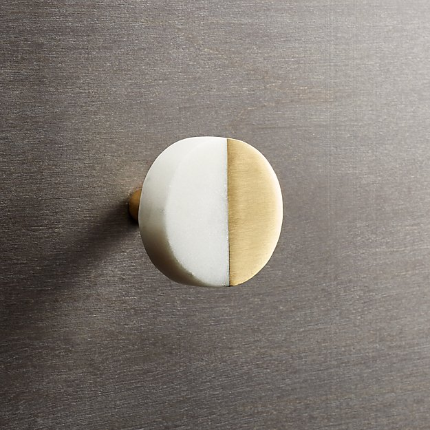 selene round marble and brass knob