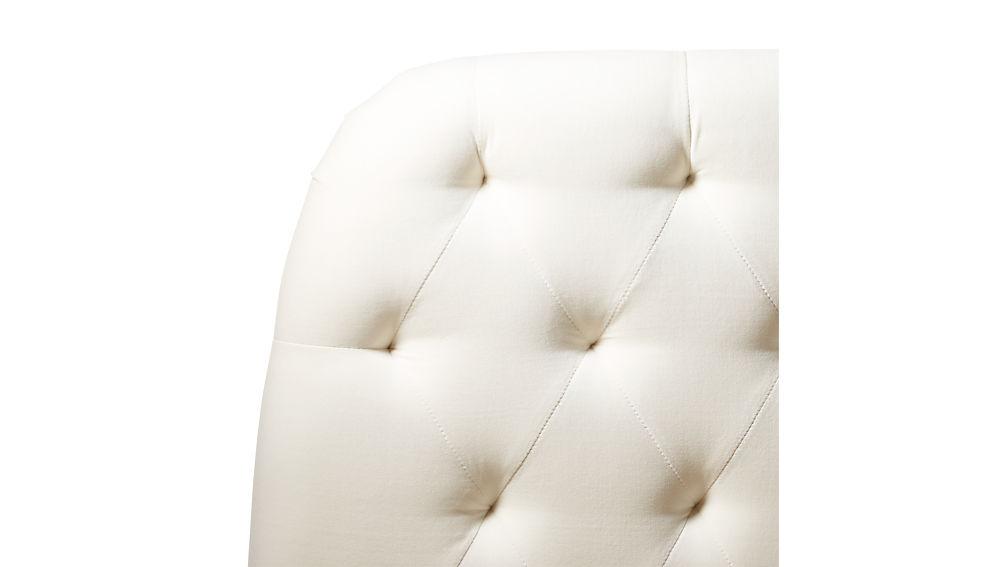 Seraphina Velvet Queen Bed