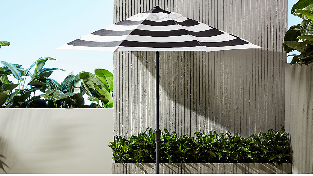 shadow round black and white stripe umbrella shade with pole