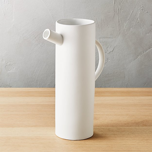 spout pitcher