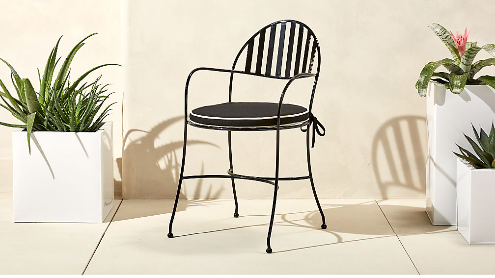 swoop black outdoor chair with cushion ...