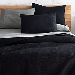 triangle black bedding