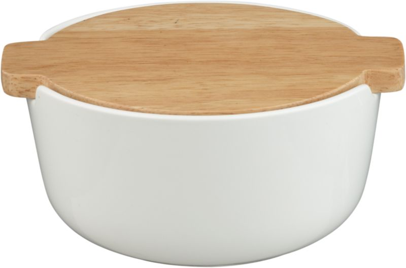 tuck bowl with wood lid
