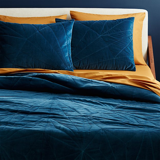 vail navy velvet full/queen quilt