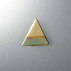 zoetic triangular wall hook