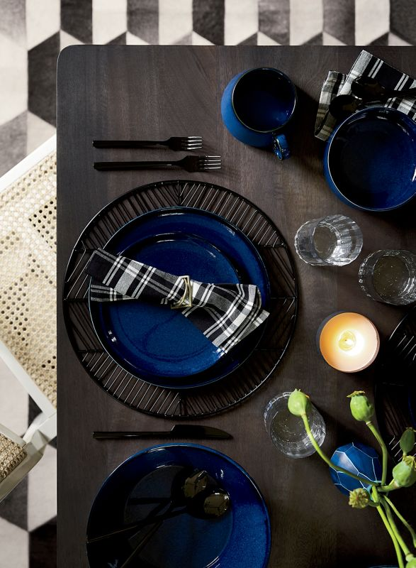 Dream gig lady who lunches. Real gig lady who scarfs down lunch at her desk. Luckily thereu0027s weekends and holidays to plan memorable meals for your ... & Modern Table Setting Etiquette - CB2 Idea Central