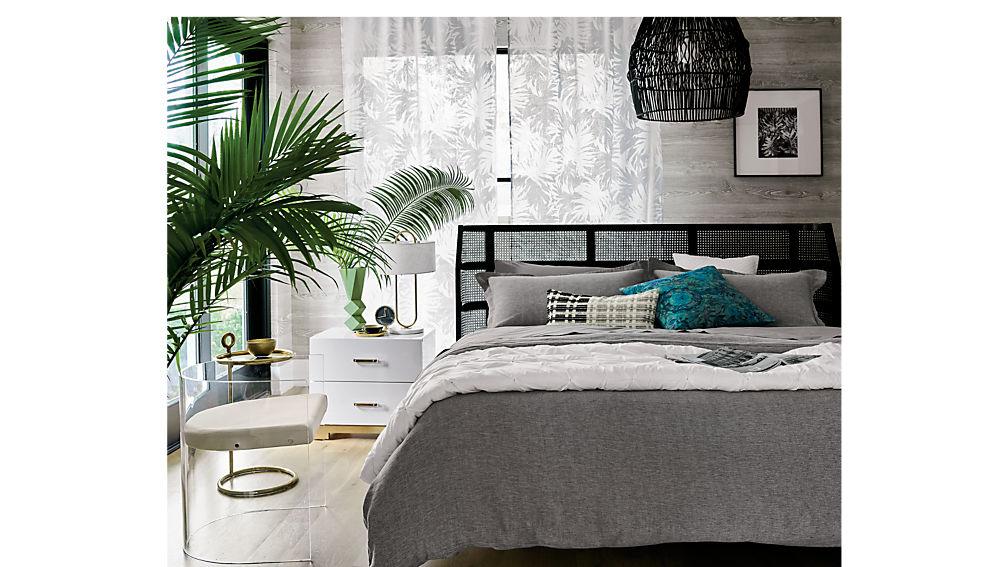 seville queen bed